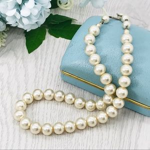 Vintage creamy glass pearls
